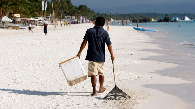 Philippines shuts off its most popular island