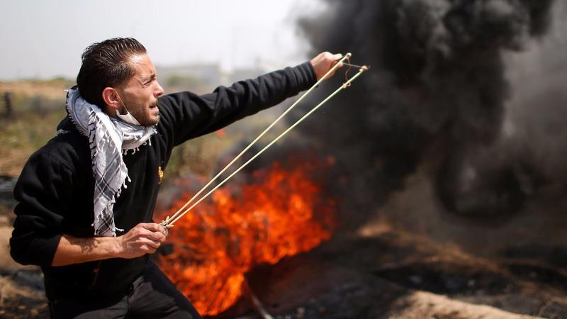 Israeli troops kill at least seven on Gaza border