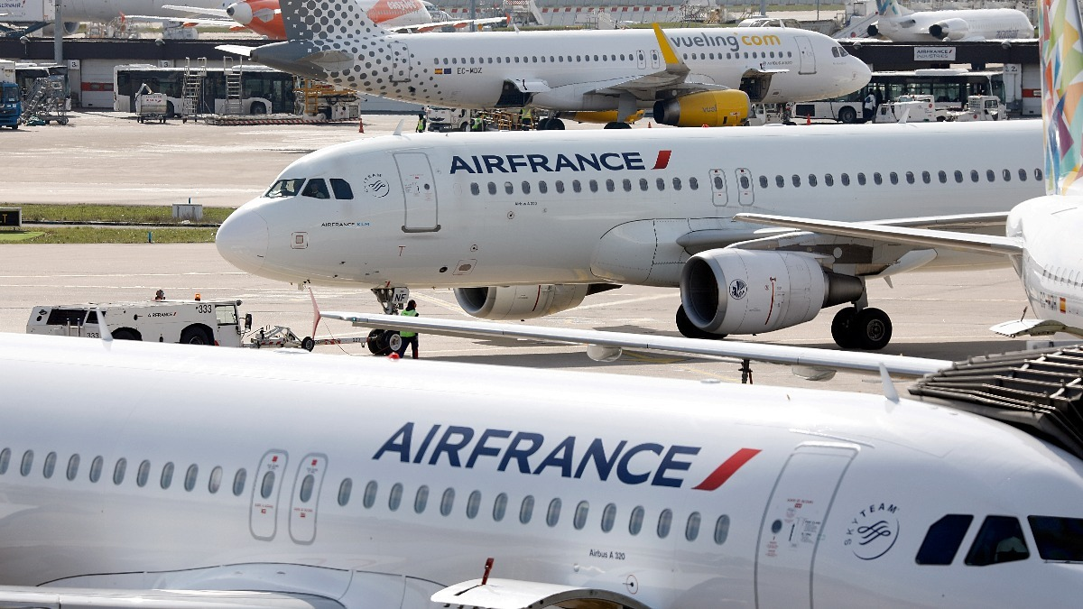 the company air france Air france destinations and network arrivals - departures: flight status all flight times check-in deadlines air france in touch airports airport lounges back air france worldwide network.