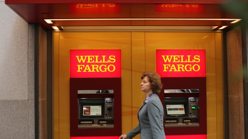 More trouble for Wells Fargo as bank earnings disappoint