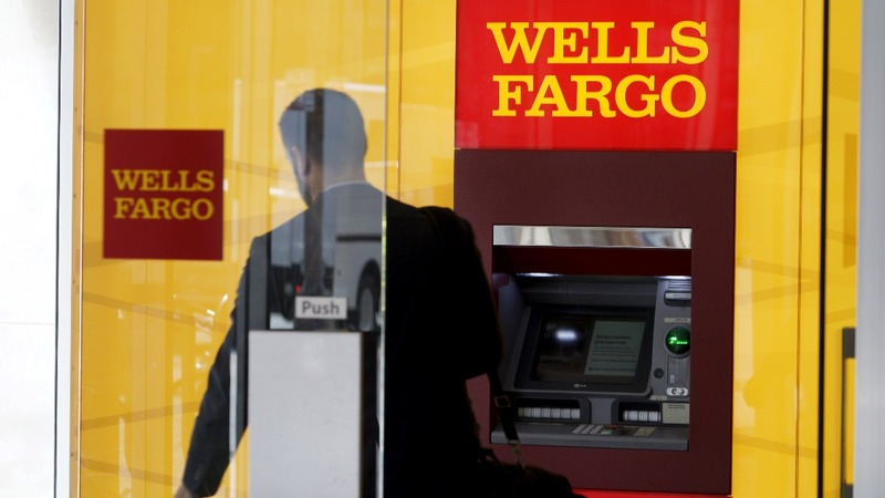 Wells Fargo hit with record $1 billion fine