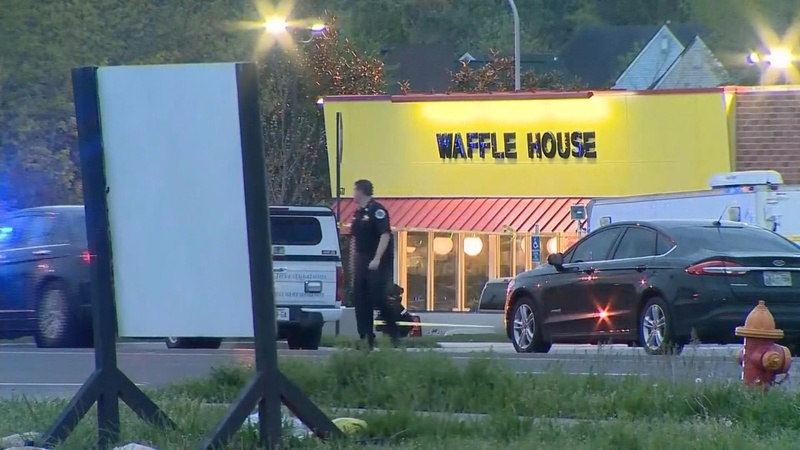 Police search for gunman who killed 4 at Waffle House