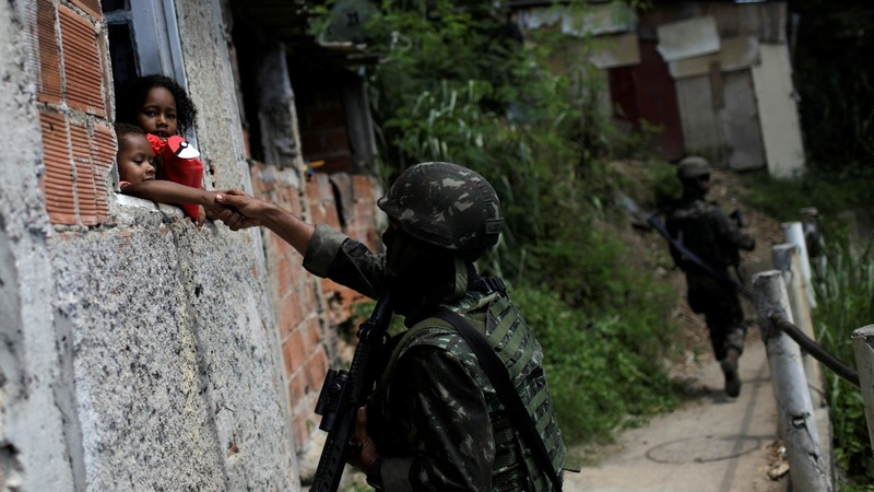 Rio drug gangs unfazed by Brazil's army