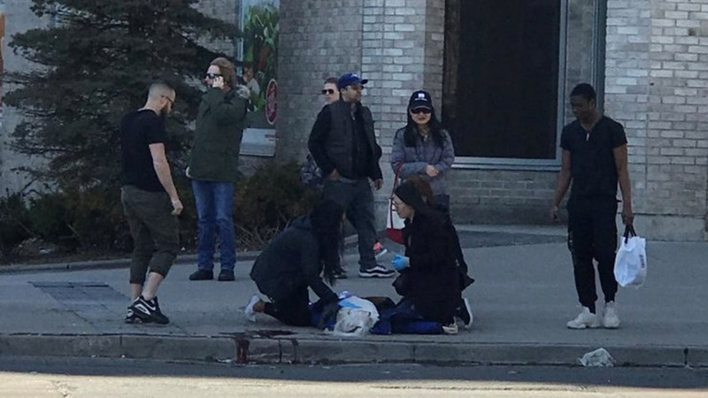 Multiple injuries after van hits pedestrians in Toronto