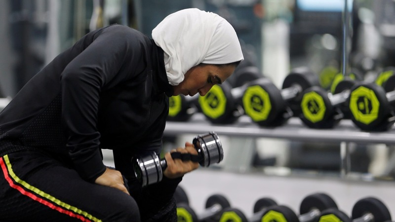 INSIGHT: Saudi women lift weights and bust social norms
