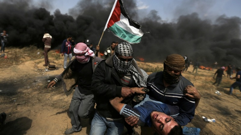 Israeli forces kill three Gaza border protesters, wound 600: medics