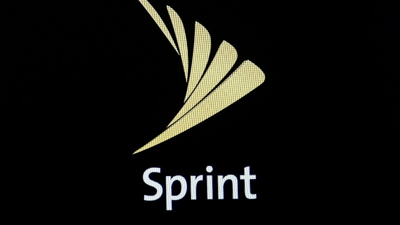 Sprint shares plummet on T-Mobile deal worry