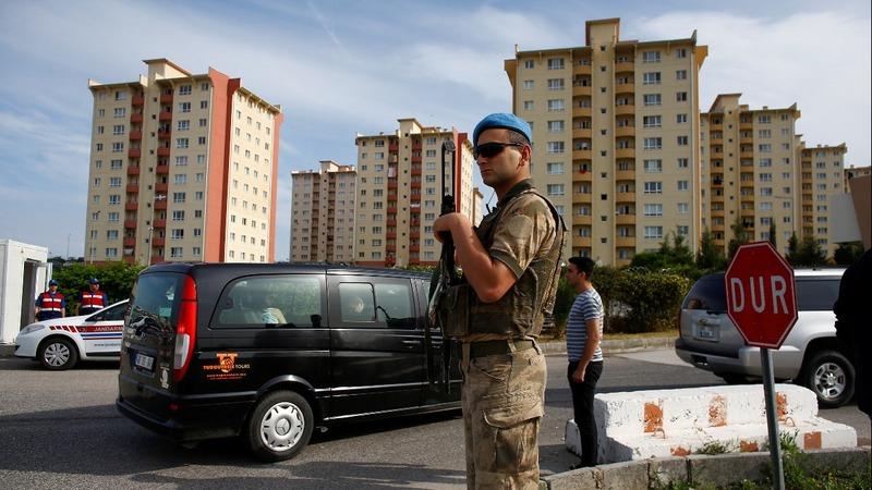 U.S. pastor denies terrorism charges in Turkish court