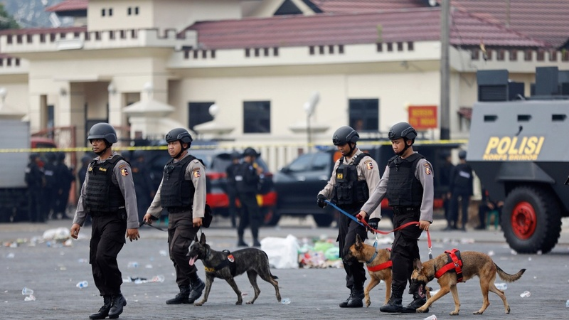 Indonesia police say deadly hostage crisis ends