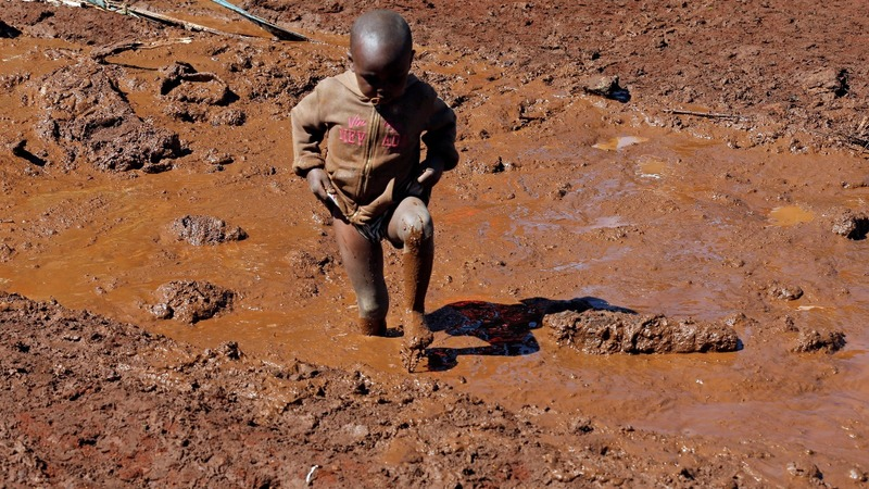 Kenyan farm dam bursts, killing dozens