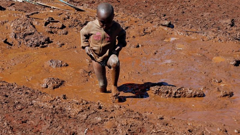 Kenyan farm dam bursts, killing dozens