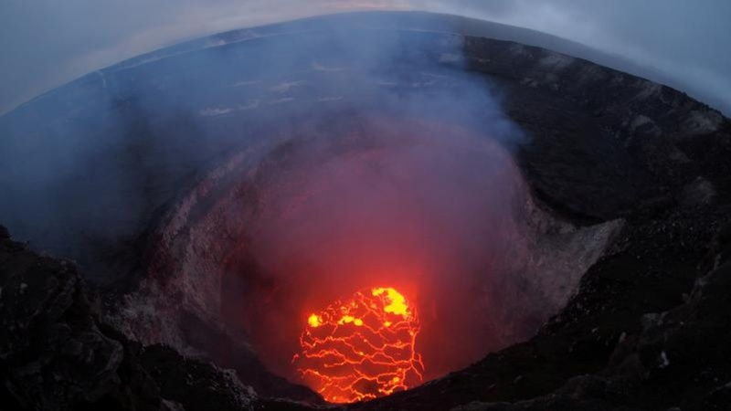 Hawaii issues volcanic toxic gas alert