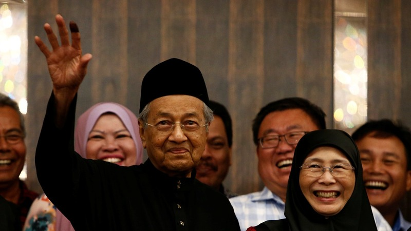 New Malaysia PM gets down to business
