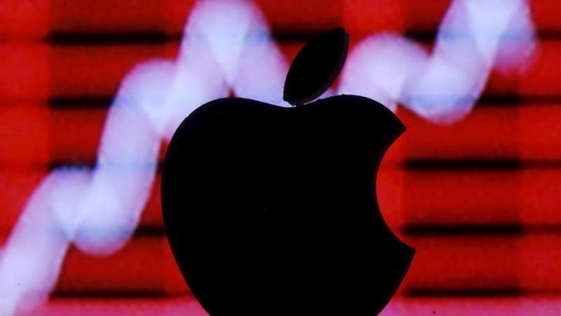 Apple, Amazon race to the $1 trillion mark