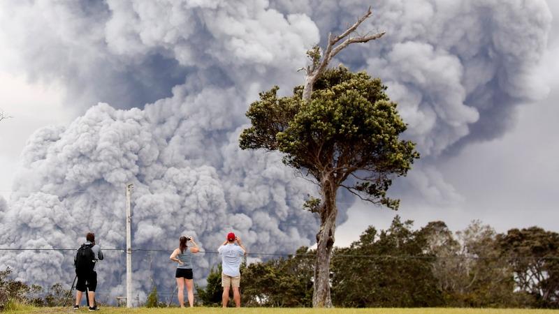 Hawaii's Kilauea volcano goes 'ballistic'