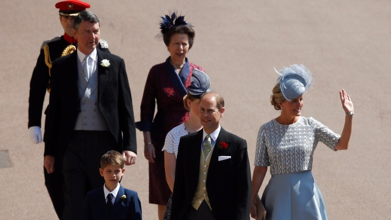 Royal family arrive for Prince Harry's wedding