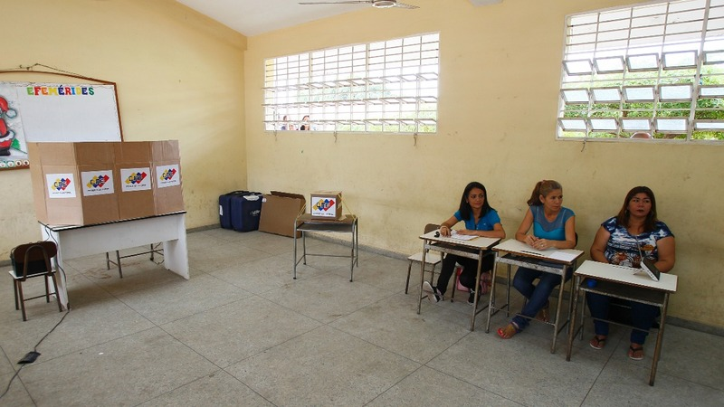 Many Venezuelans stay at home on election day