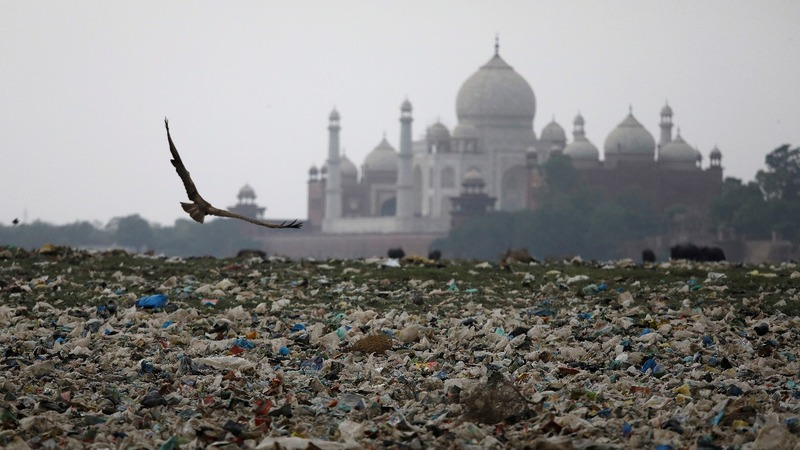 Pollution 'killing' India's iconic Taj Mahal