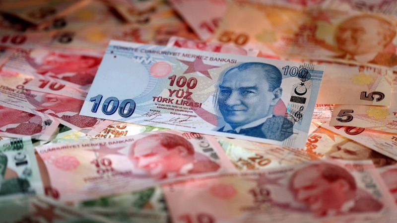 Tumbling lira casts shadow over Erdogan's June election