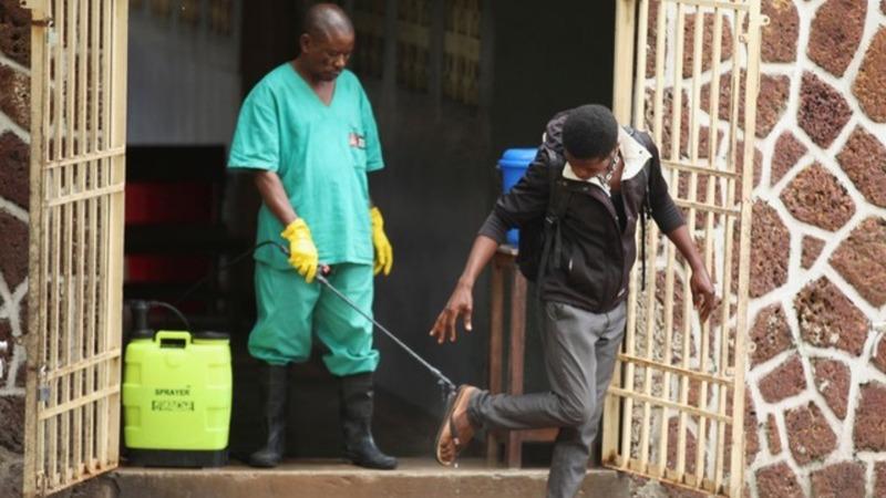 Ebola patients flee Congo hospital