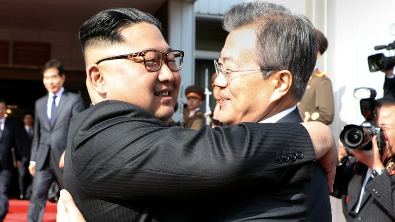 Korean leaders hold surprise meeting