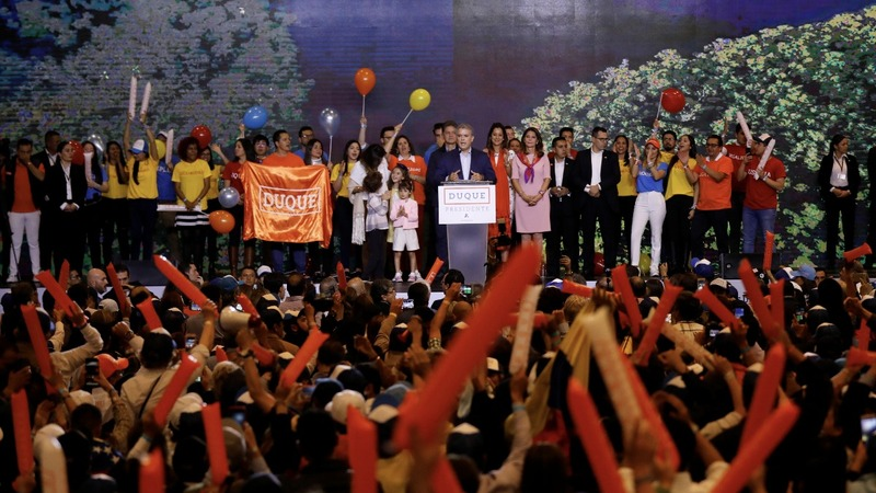 Colombia heads for divisive presidential runoff