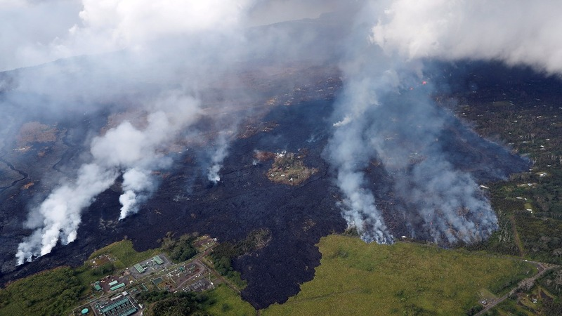 Kilauea lava closes highway, destroys homes