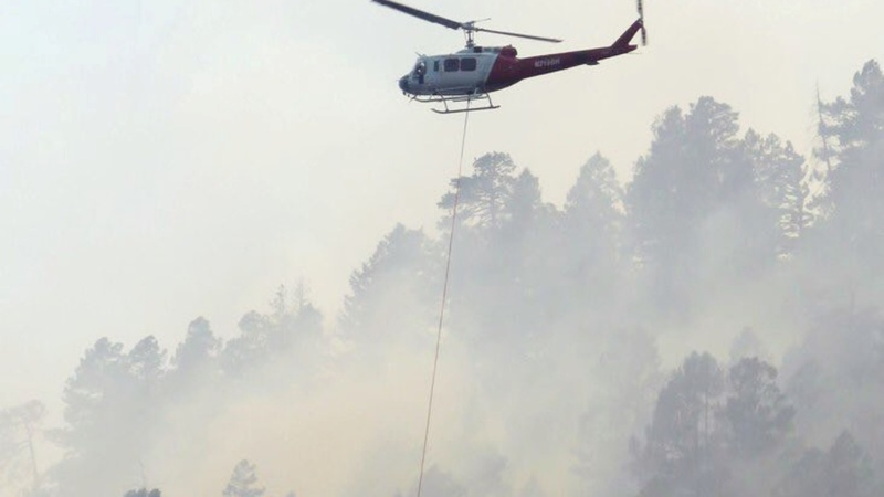 Colorado residents flee as wildfire spreads