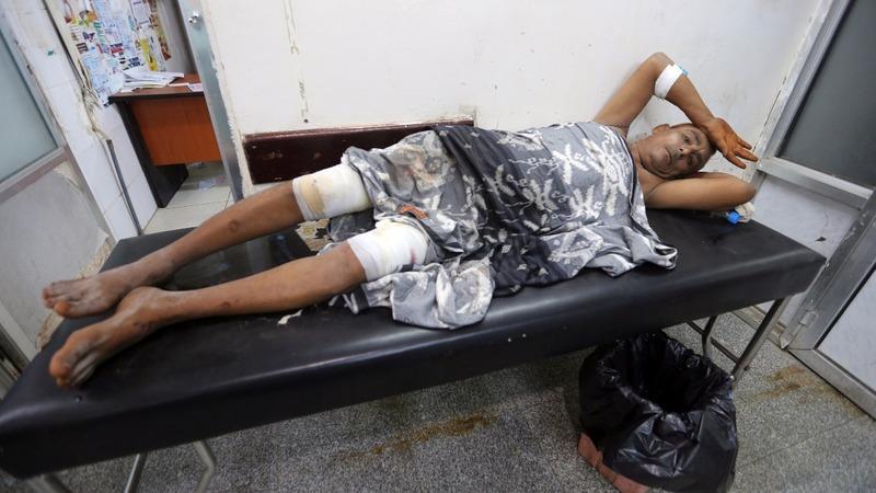 Yemenis 'stuck, starving' amid Hodeidah battle