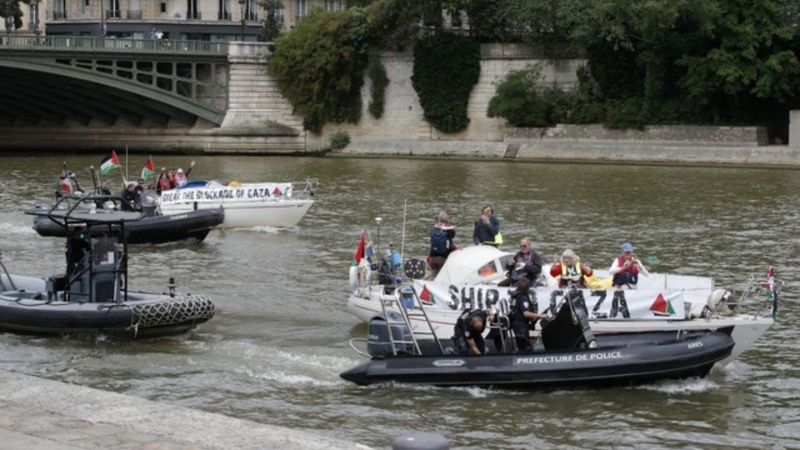 French police block Gaza flotilla from docking
