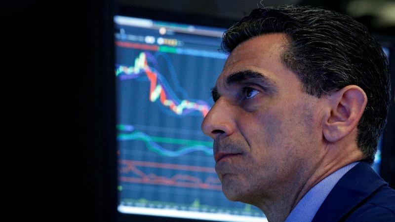 Stocks tumble on fear of long-lasting trade war