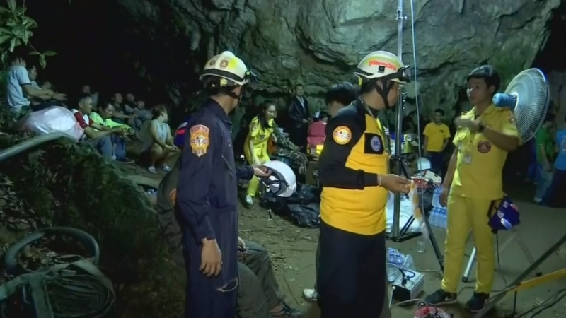 Rescuers seek Thai kids feared trapped in cave