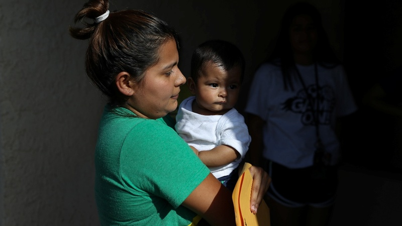 U.S. halts prosecuting illegal immigrant parents