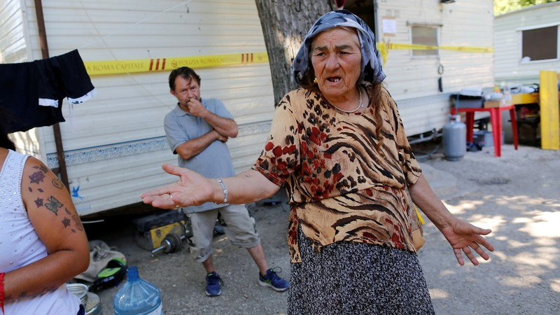 Italy's 'gypsy' camps allege government purge