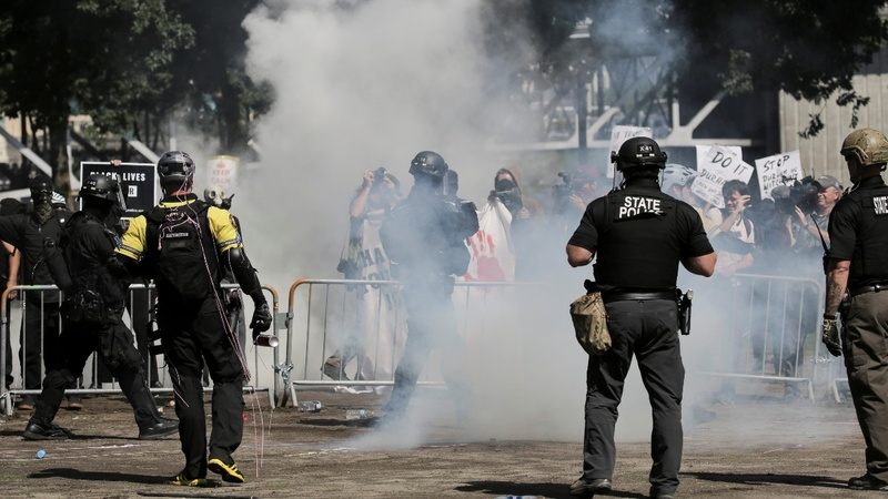 Far-right rally in Portland ends in violence