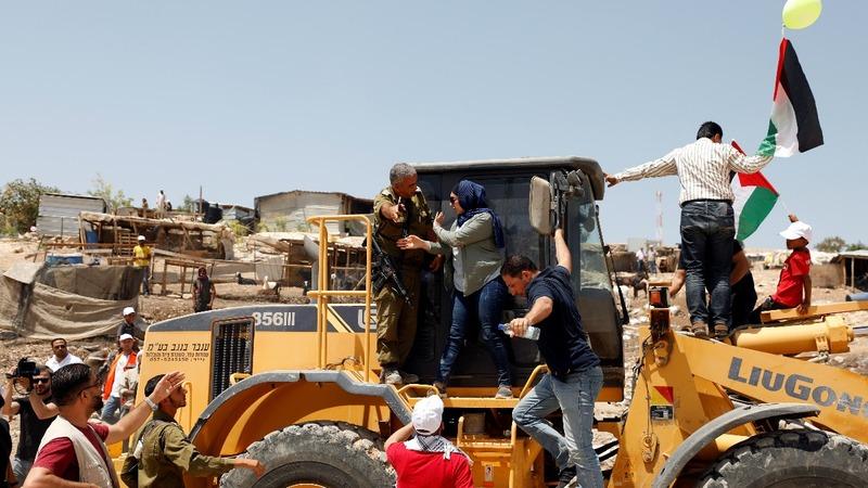 Clashes as Israeli bulldozers target Bedouin village