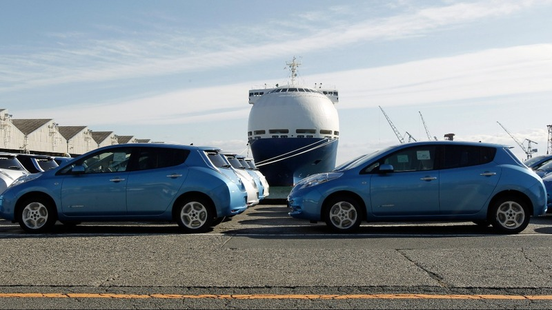 Trade threats spark auto-shipping frenzy