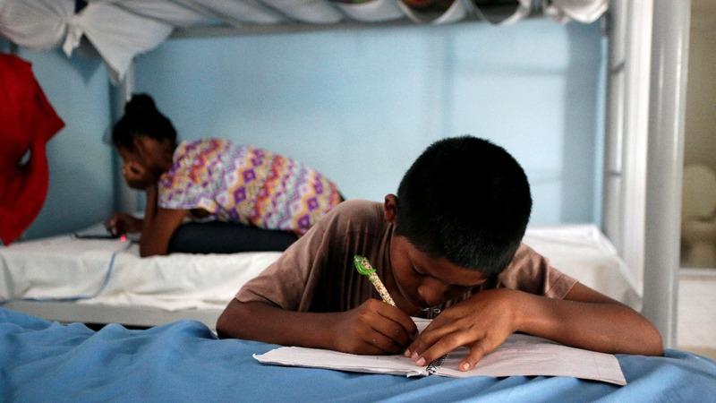 Tech issues plague portal tracking migrant children