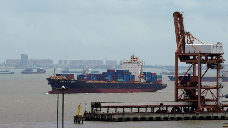 U.S. threatens tariffs on $200B of China goods