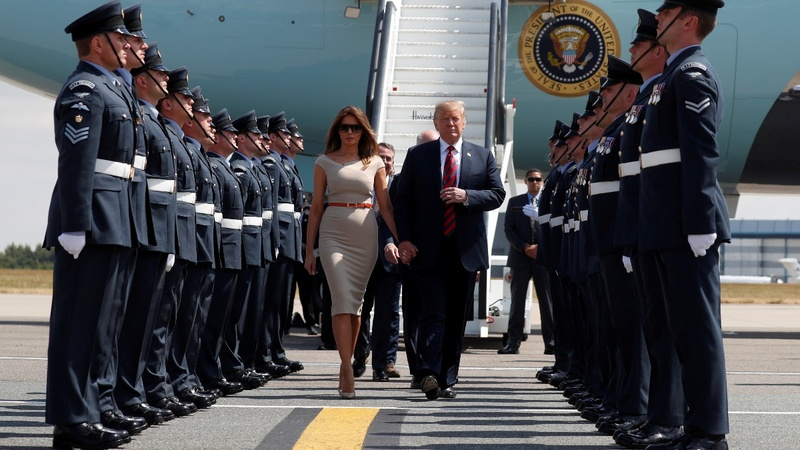 Trump arrives to queen's tea, protests in the UK