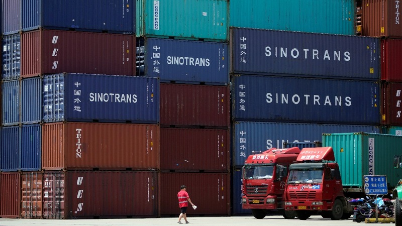 Amid trade spat, China posts record U.S. surplus