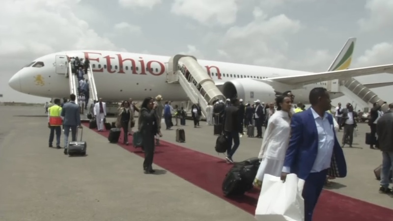 First Ethiopia-Eritrea flight in 20 years lands