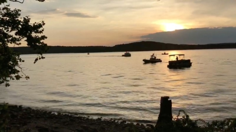 'Duck boat' capsizes, kills at least 11 in Missouri