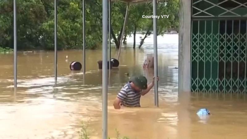 Tropical storm leaves 20 dead in Vietnam