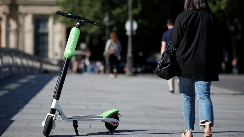 Chinese scooter maker cashes in on hype and hope