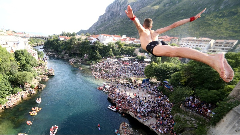 INSIGHT: Diving for tradition in Bosnia
