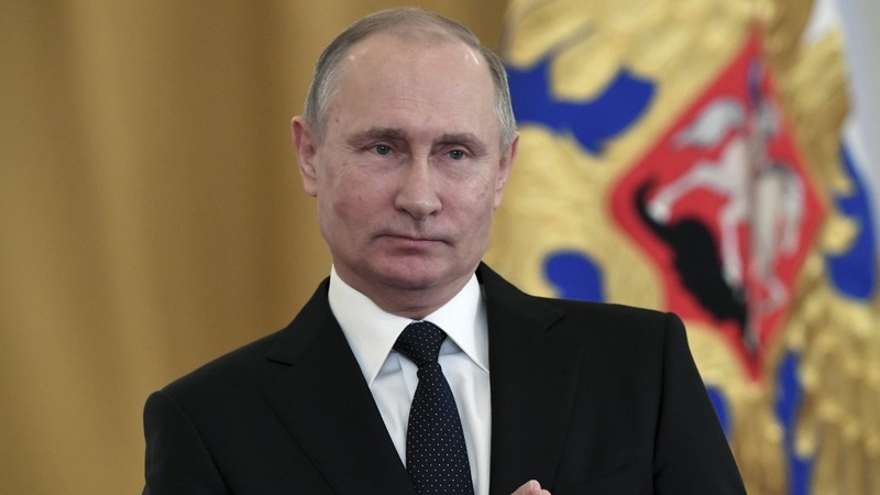 Putin gives Russian army a political wing