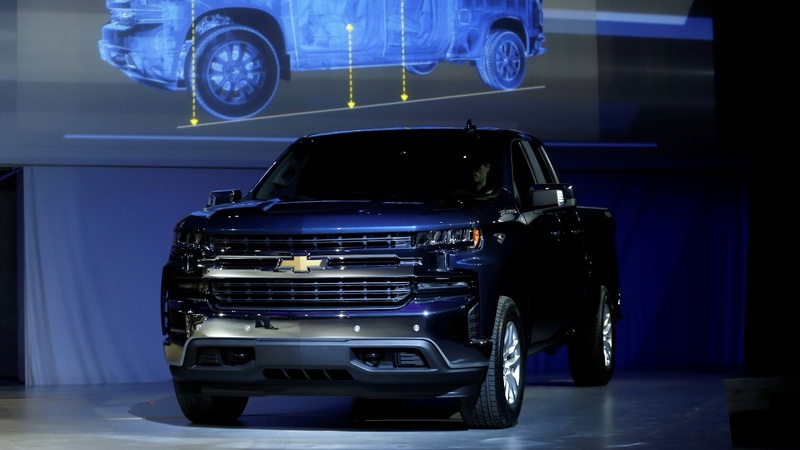 GM bets big on pickups to take on Ford