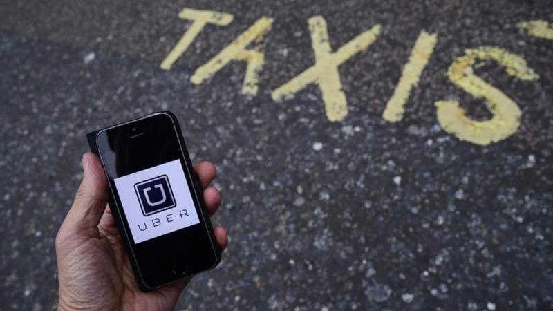NYC votes to cap Uber, Lyft vehicle licenses