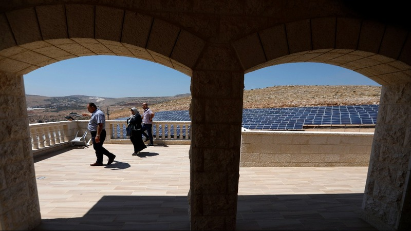 Palestinians turn to sun to reduce power shortfall